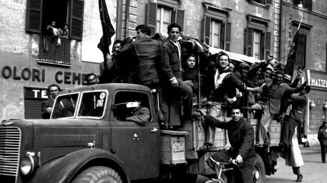 Festeggiamenti per la vittoria sul nazifascismo