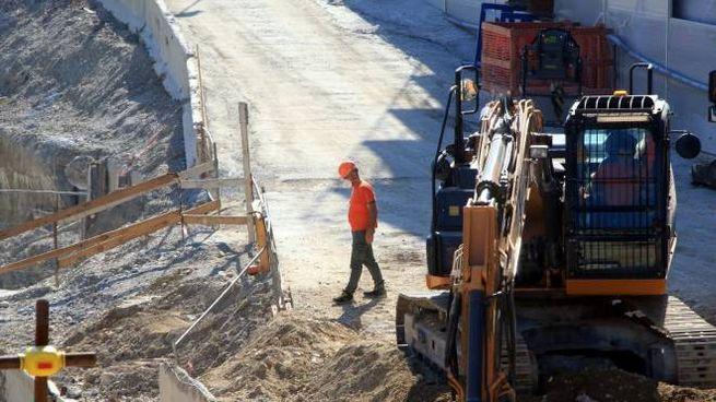Milano, la ripresa del lavoro nei cantieri della Metropolitana M4 (Ansa)