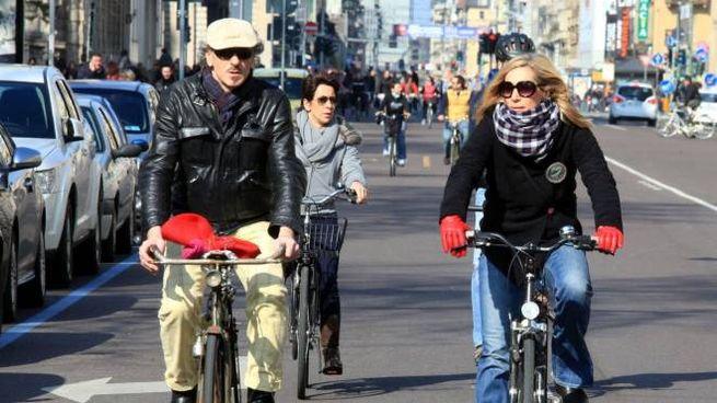 Milano, più bici e meno auto