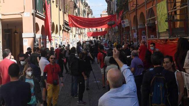 Bologna, la festa del 25 aprile al Pratello (FotoSchicchi)