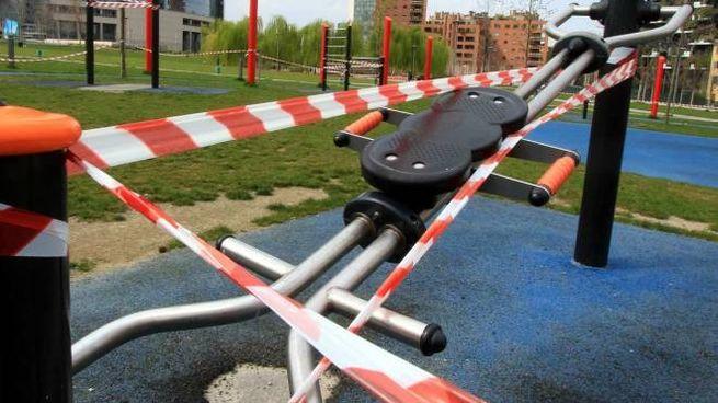 Area bimbi al parco ancora vietata