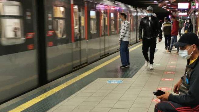 Fase 2 in metropolitana a Milano (foto Mianews)