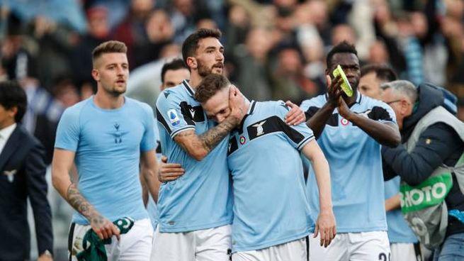 I giocatori della Lazio: Milinkovic, Cataldi, Lazzari e Caicedo