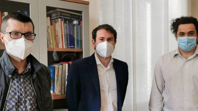 Da sinistra, Oscar Putignano, il sindaco Giacomo Ghilardi e Gabriele Croci