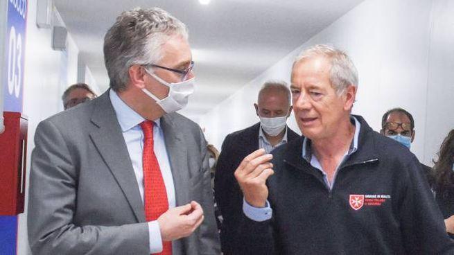Luca Ceriscioli e Guido Bertolaso all'interno della Fiera Covid durante il sopralluogo di lunedì