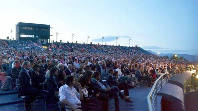Il Gran teatro all'aperto di Torre del Lago (foto Umicini)