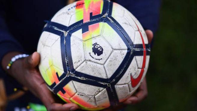 La Premier League conta solo 2 contagi su 966
