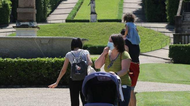 Visitatori nel Giardino di Boboli (New Press Photo)
