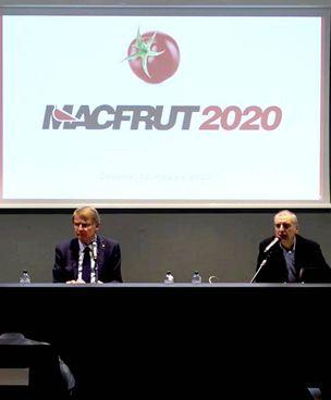 La presentazione di MacFrut 2020, edizione digital con il presidente Renzo Piraccini (a destra e nel tondo)