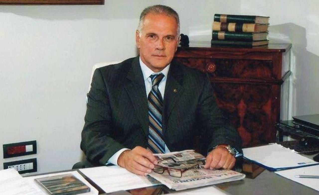 Dino Sottani era stato funzionario dell'Agenzia delle Entrate e socio dell'Associazione culturale Buggiano Castello