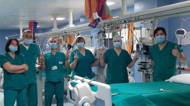 I sanitari nella terapia intensiva del Bassini, finalmente vuota