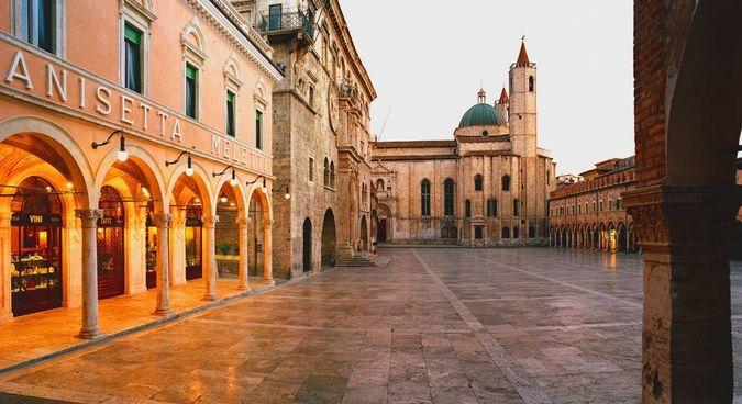 Ascoli Piceno, salotto d'italia e vere giostre