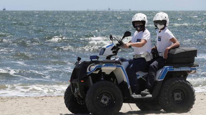 I controlli della polizia locale in foto di repertorio