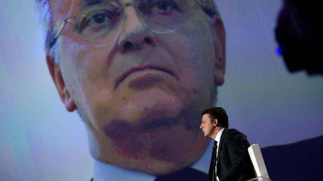 Matteo Renzi e sullo sfondo Piercamillo Davigo (ImagoE)