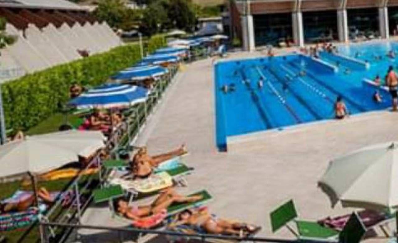 Piscine All Aperto Piemonte un'estate open space con piscina e drive in - cronaca