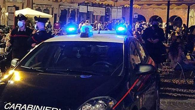 Controlli dei carabinieri a Pavia
