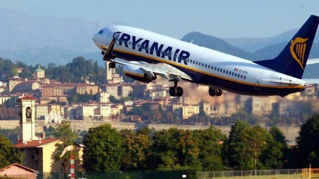Volo Ryanair in decollo da Orio