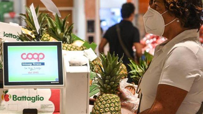 Acquisti in un supermercato Coop: al via l'iniziativa che regalerà punti ai soci