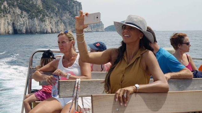 Turisti sul lago, foto generica