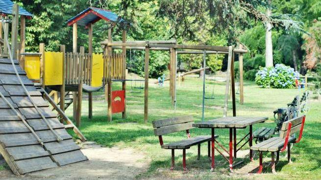 Parco giochi nel giardino di casa
