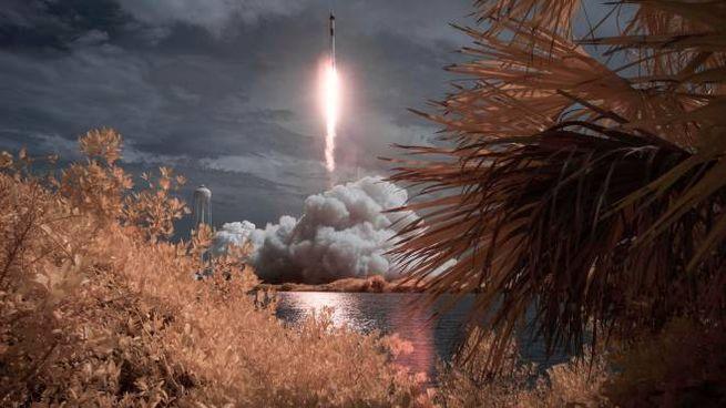 SpaceX, il razzo Falcon 9 parte diretto alla Stazione spaziale internazionale