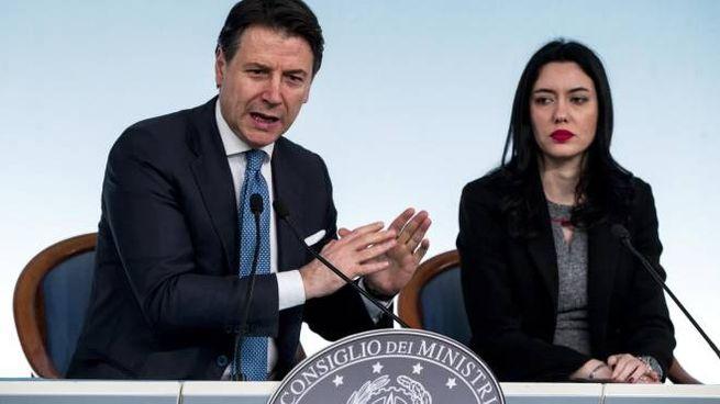 Il premier Conte e il ministro dell'Istruzione Lucia Azzolina