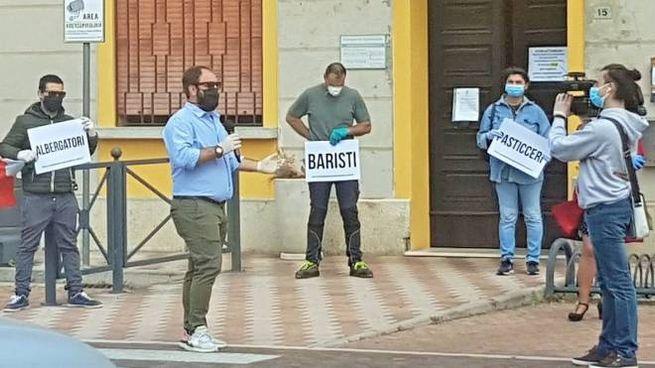 Autonomi in piazza per protesta