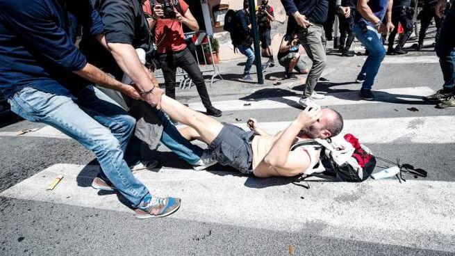 Tensione alla manifestazione di Forza Nuova al Circo Massimo (Ansa)