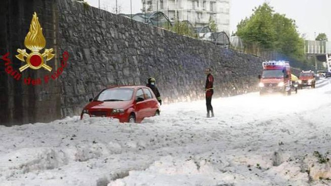Bad weather, the hailstorm of 3 June last in the province of Bergamo (Ansa)