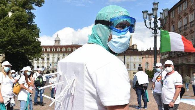 Torino, un flash mob degli infermieri