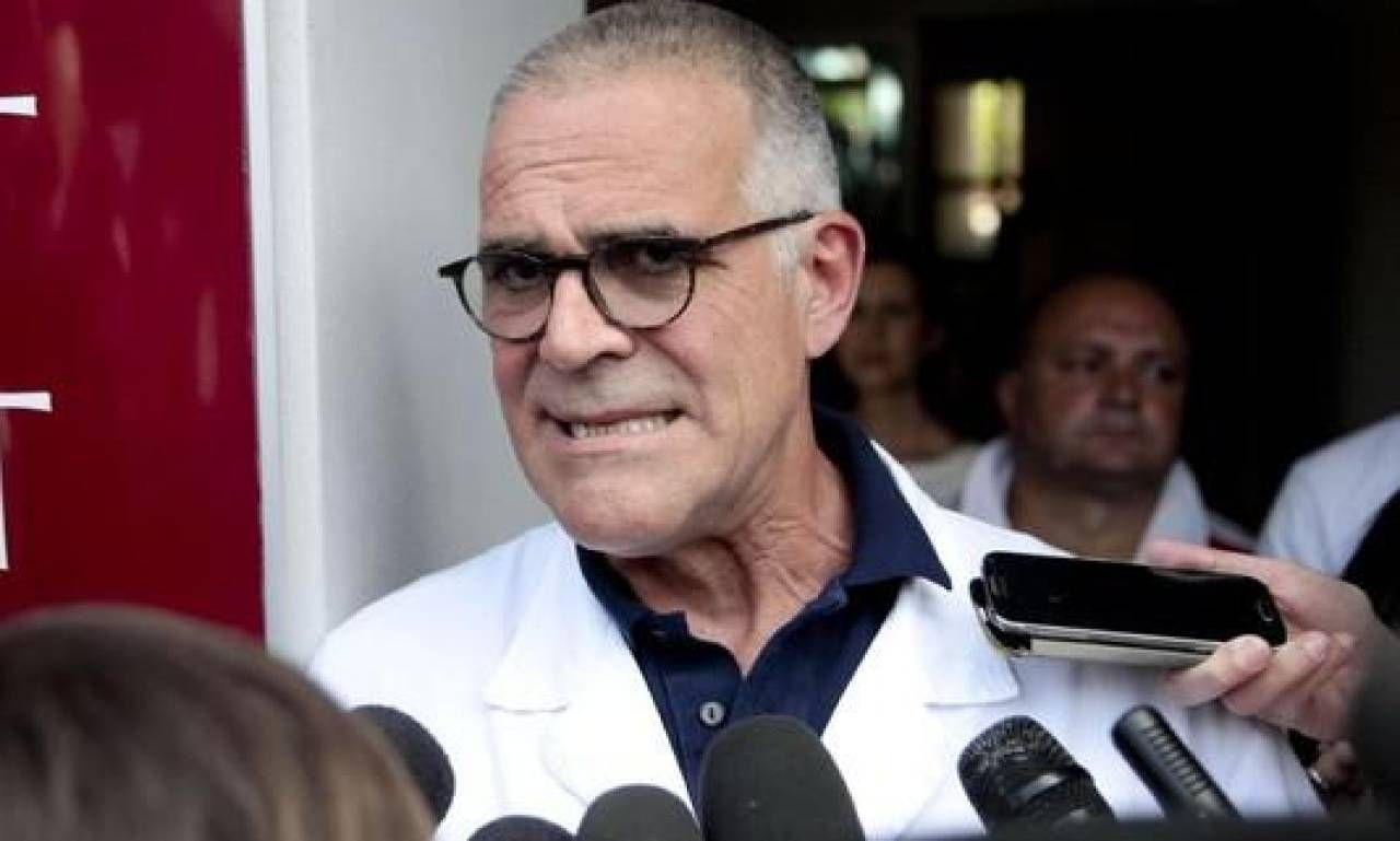 Alberto Zangrillo, 62 anni, di Genova, è primario di anestesia e rianimazione al San Raffaele di Milano