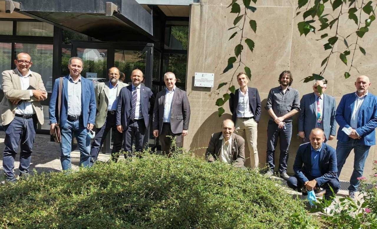 Parte dei protagonisti dell'evento al centro operativo di Romagna Acque