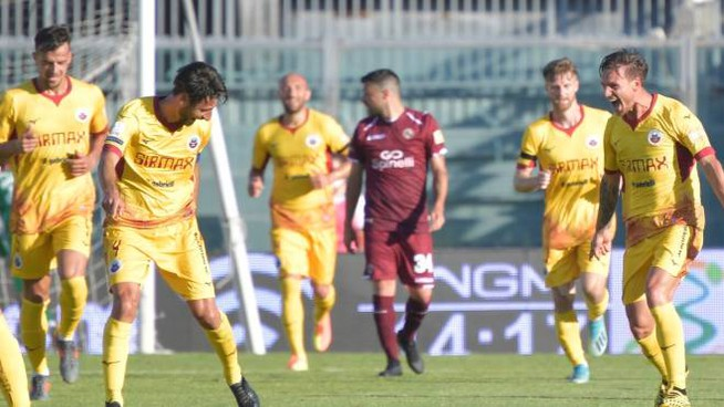 Il Livorno ricomincia con una sconfitta (Foto Novi)