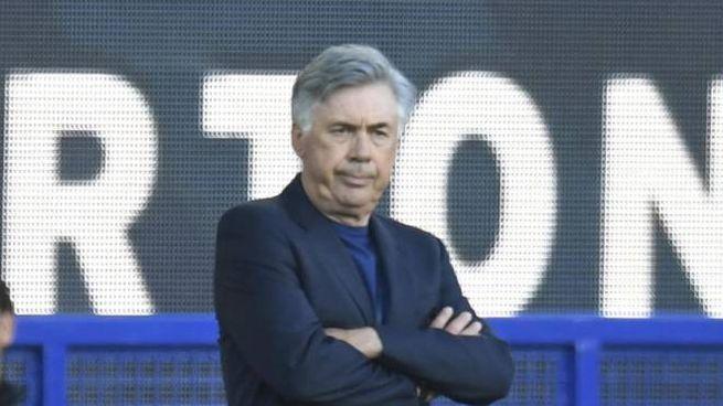 Carlo Ancelotti sulla panchina dell'Everton (Ansa)