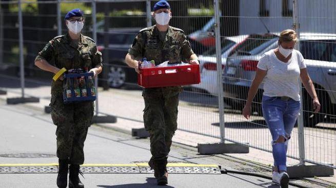 Germania, torna il lockdown nell'area dei mattatoi (Ansa)
