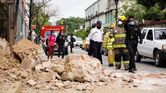 Le rovine del terremoto in Messico (Ansa)