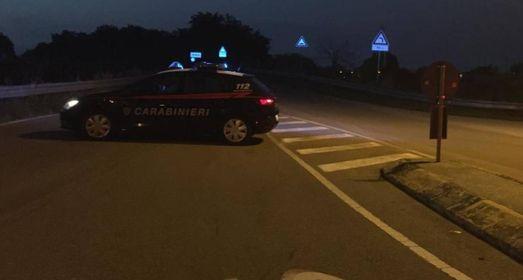 I carabinieri sono rimasti sul posto fino alle 21,45 per eseguire scrupolosi rilievi ed hanno atteso che venisse rimosso il mezzo: nessun altro mezzo risulta coinvolto