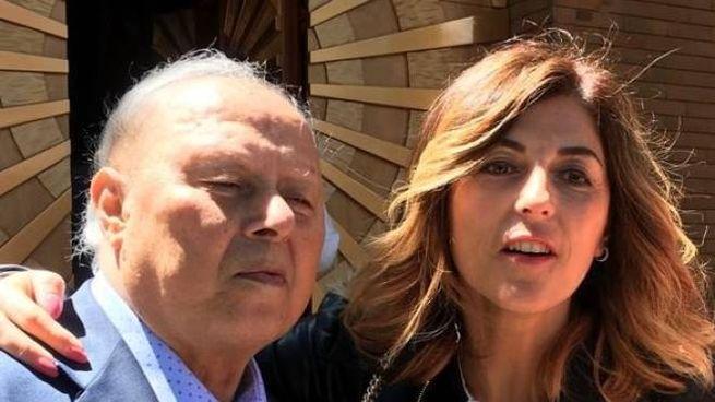Il fondatore dell'azienda, Oliviero Muccini, scomparso due anni fa, con la figlia Monica