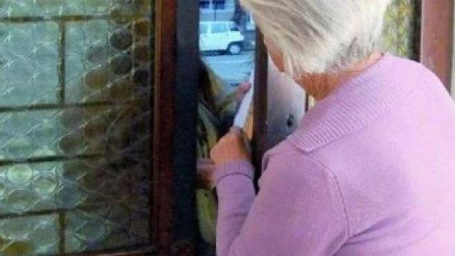 Due gli anziani raggirati con la scusa della sanificazione