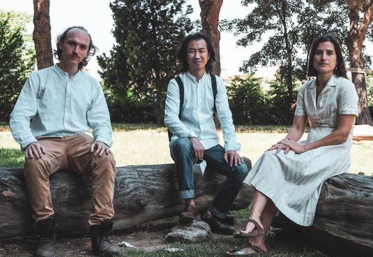 Guido Mitidieri, Qiu Yi e Silvia Giagnoni nei giardini del Soccorso