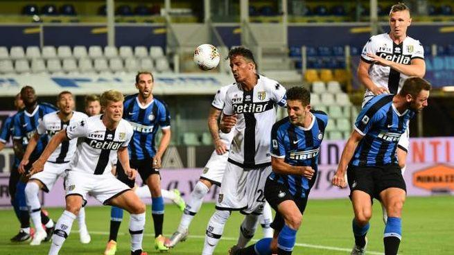 Parma-Inter, un colpo di testa di Gagliardini (Ansa)