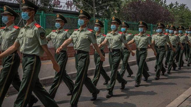 Militari cinesi, a loro è riservato il primo vaccino anti-Covid (Ansa)