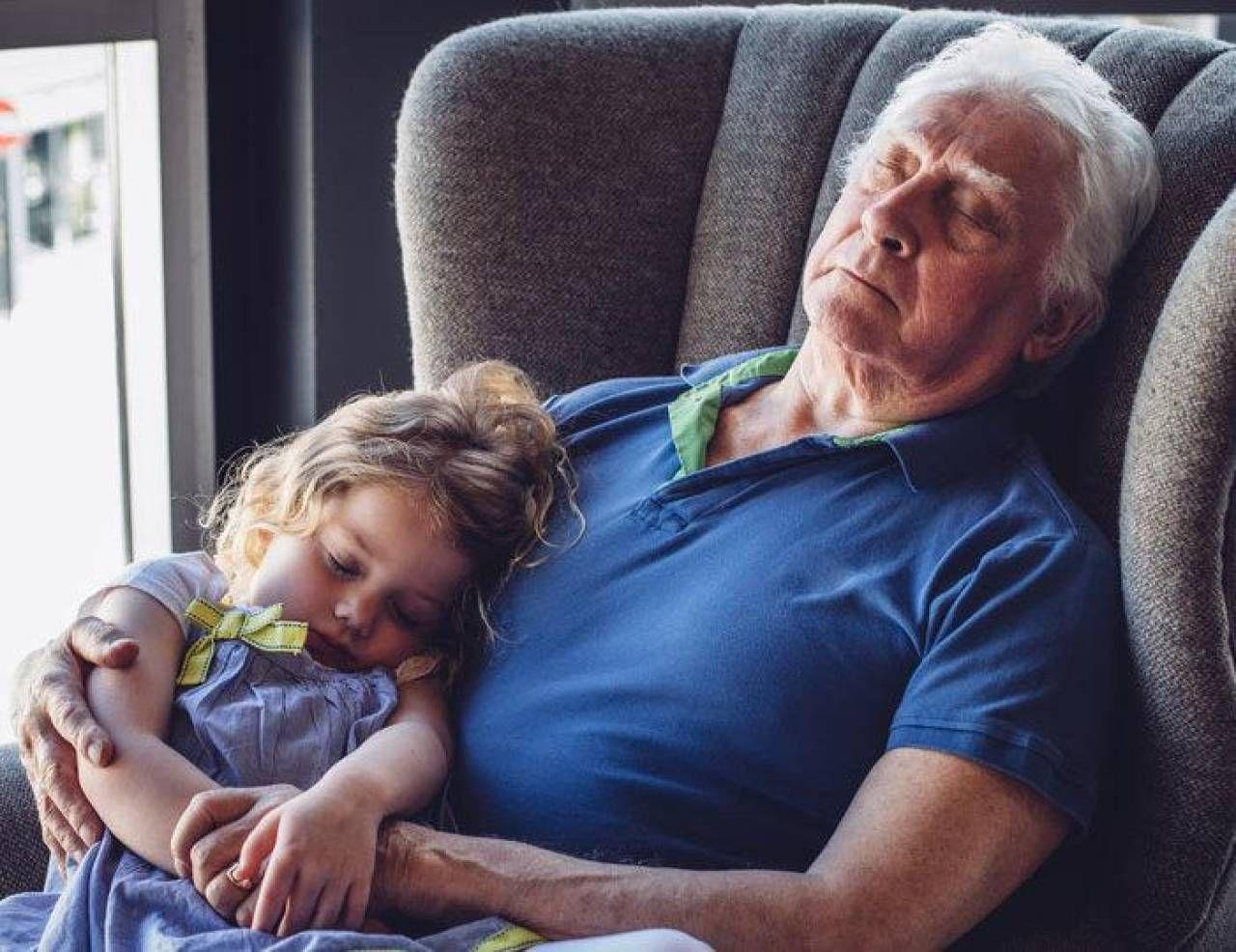 Il sussidio di 1.200 euro a famiglia potrà essere utilizzato anche per nonni e zii (purché non vivano nella stessa casa dei nipoti)