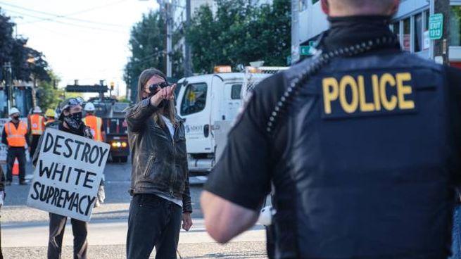 "Manifestanti nella ""Chop Zone"" a Seattle (Ansa)"