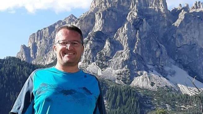 Mario Bressi, 45 anni, si è suicidato dopo avere ucciso i due figli di dodici anni