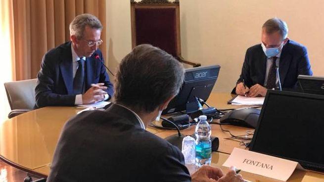 Il ministro Manfredi con Attilio Fontana e Remo Morzenti Pellegrini