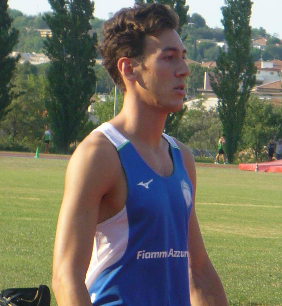 Simone Barontini, 21 anni, di Ancona, corre per Fiamme Azzurre ed è campione italiano degli 800 metri