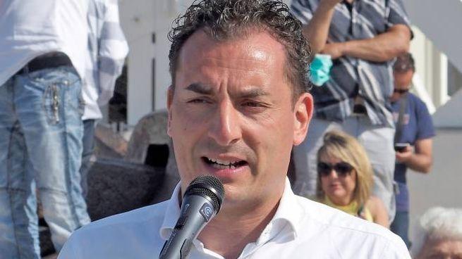 Il deputato Jacopo Morrone segretario della Lega Romagna, durante il flashmob di Rimini