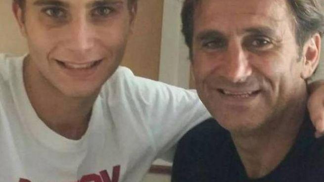 Alex Zanardi, 53 anni, attualmente ricoverato alle Scotte di Siena e il figlio Niccolò