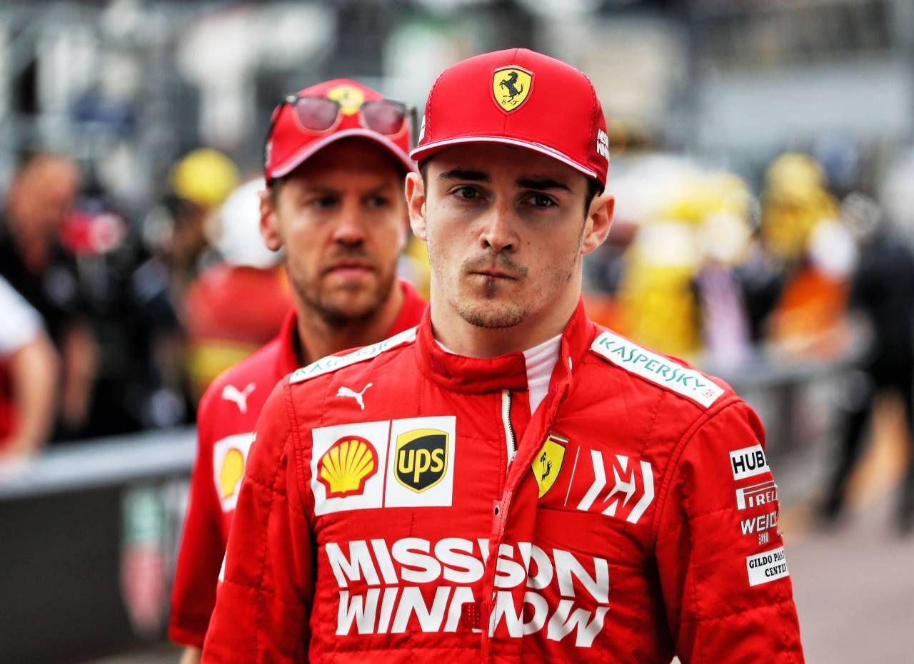 Charles Leclerc, 22 anni, davanti a Sebastian Vettel, 33: avvio in salita per la Ferrari